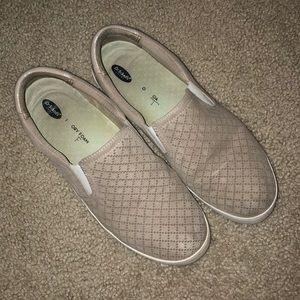 Tan memory foam slip on shoes. 8.